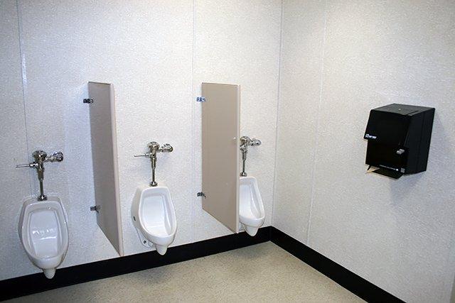 shower-restrooms-02.jpg