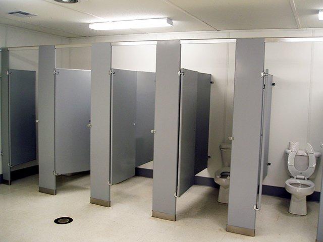 shower-restrooms-04.jpg