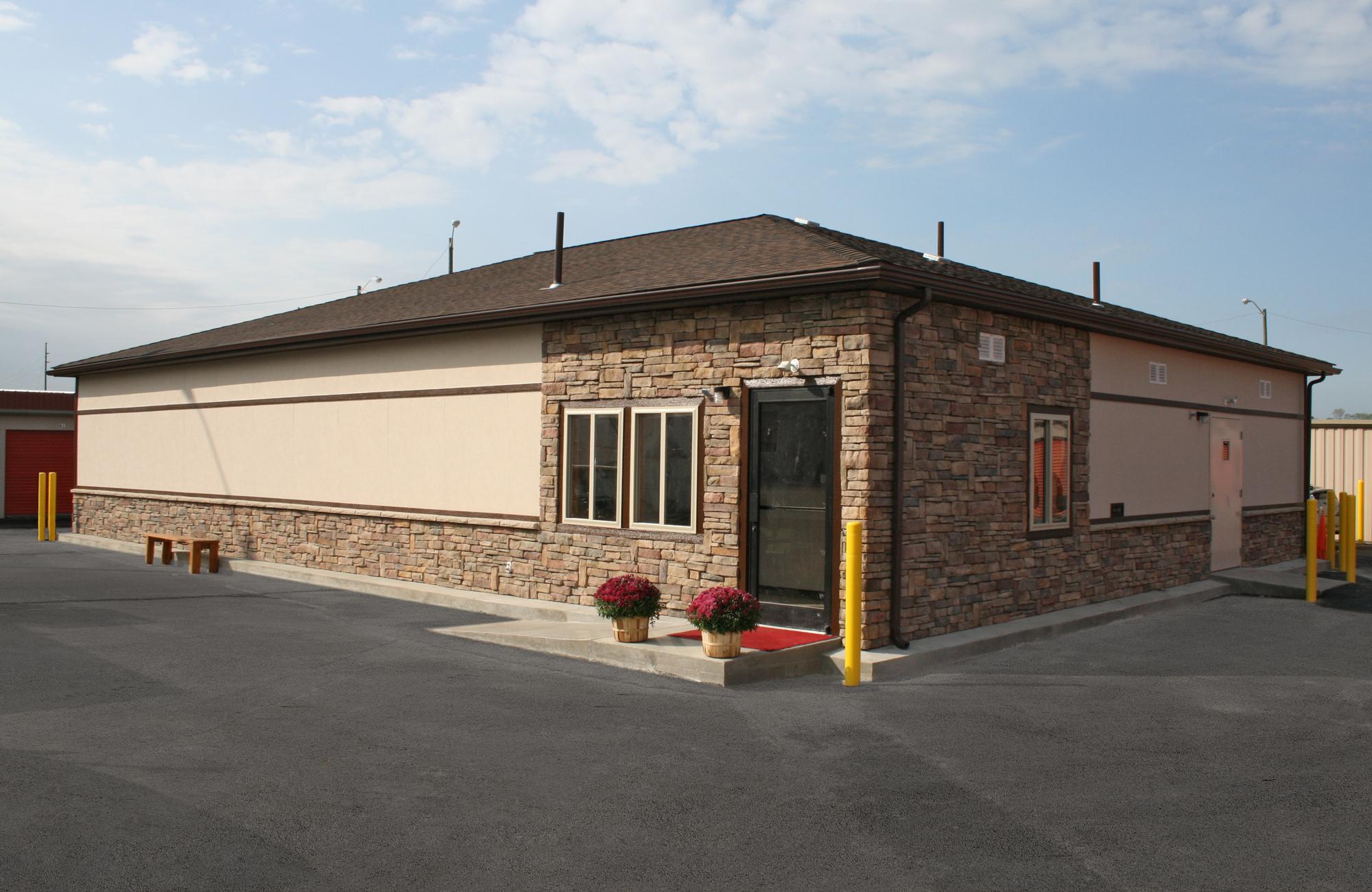 Exterior-Roof-Hip-Photo
